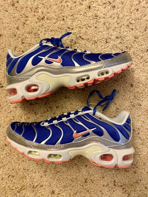 New women's Nike Air Max Plus multi sizes available running shoes for Sale in El Cerrito, CA