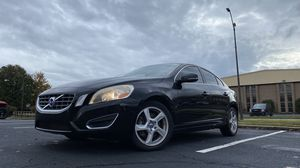 2012 Volvo S60 T5, Clean Title, Runs and drives, needs engine work for Sale in Chamblee, GA