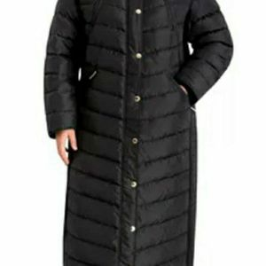 Michael Kors Womans Plus Size Maxi Faux Trim Hooded Down Puffer Coat From Macys for Sale in Collingswood, NJ