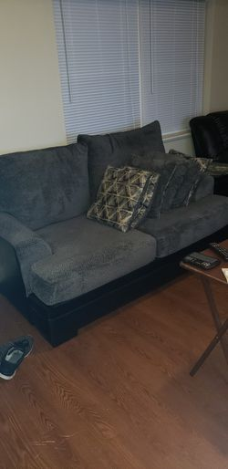 Small couch for sell. for Sale in Columbus,  OH