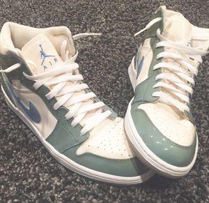 Jordan 1 Retro UNC Patent Basketball Shoes Men's Size US 12 for Sale in Pasadena, CA