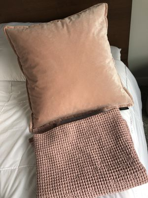 Comfy NEW soft pink pillow and matching throw for Sale in Mount Pleasant, WI