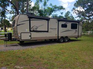 2018 FLT29RKWS Flagstaff Super Lite by Forest River Travel Trailer for Sale in VLG WELLINGTN, FL