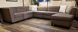 Modern Macy's Johnathan Lewis 6pc button Tuft sectional for Sale in Bow, WA