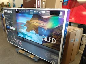 """75"""" SAMSUNG QLED UHD HDR SMART TV for Sale in Colton, CA"""