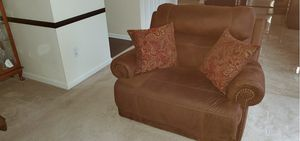 Furniture (Electric Recliners) for Sale in UPPR MARLBORO, MD