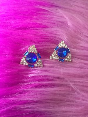 Beautiful fashion earrings for Sale in Orlando, FL