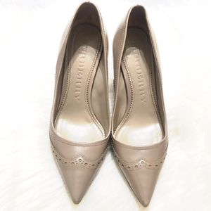 Burberry Pumps Size 39.5EUR for Sale in Lake Forest, CA