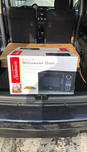 Brand new microwave for Sale in Paramount, CA