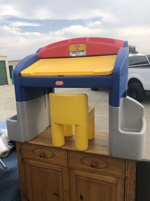 Little tykes kids desk with night light for Sale in Kentfield, CA
