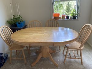 Dining table for Sale in NO POTOMAC, MD