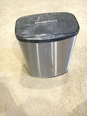 Small trash can for Sale in Ontario, CA