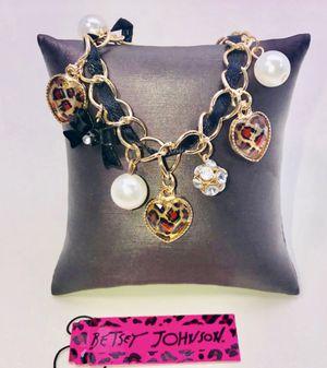 "Betsey Johnson ""JUNGLE ❤️ LOVE!"" Beautiful animal print heart ❤️ charms bracelet NEW! for Sale in Carrollton, TX"