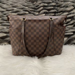 Louis Vuitton totally mm Damier ebene for Sale in Rancho Cucamonga, CA