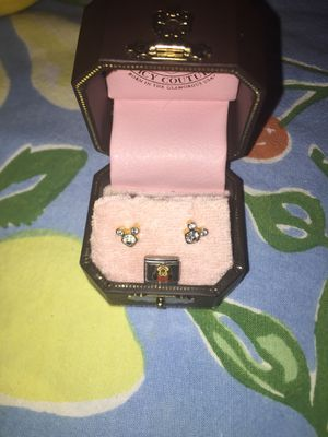 Little girls Minnie mouse earrings also have a charm of Minnie mouse for Sale in San Bruno, CA
