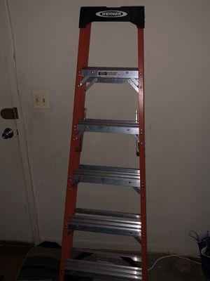 6Ft Fiberglass ladder for Sale in Lanham, MD