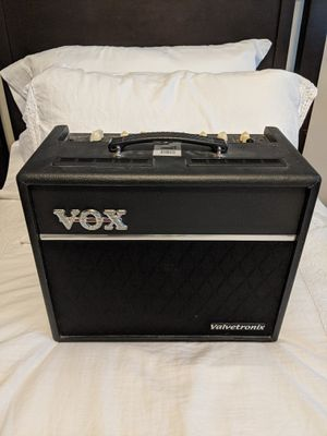 Electric Guitar Amplifier for Sale in Miami, FL