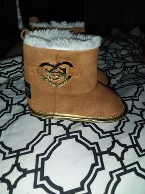 Baby girl shoes for Sale in Porterville, CA