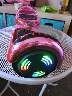 Hoverboart Bluetooth i con luces chingosisimos semi nuebos en caja con cargador 110$ formm caladitos for Sale in Los Angeles, CA