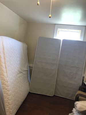 Mattress and box for Sale in Aldie, VA