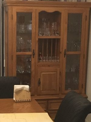 Curio Cabinet for Sale in Homestead, FL