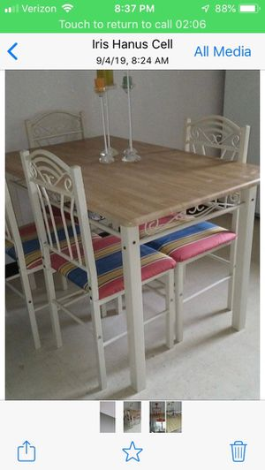 $150 kitchen table and chairs, lamp $20 for Sale in Cranbury Township, NJ