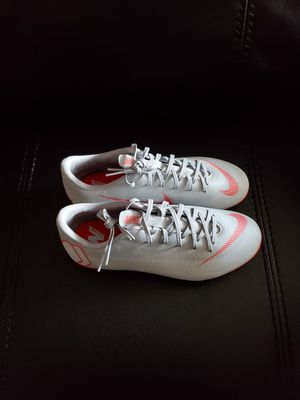 Nike Mercurial Vapor 12 Soccer Cleats Size 6 for Sale in Las Vegas, NV