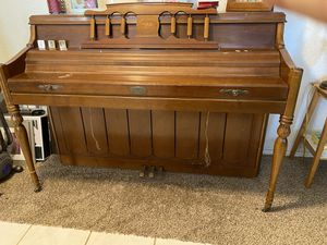 Wurlitzer Piano Free for Sale in Castroville, CA