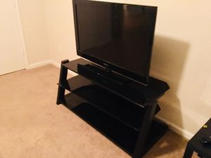 Samsung 43 inch tv with glass tv stand like new for Sale in Houston, TX