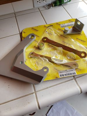 Motorcycle lower kit (Yamaha) for Sale in Fresno, CA