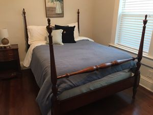 Full size bed frame!! for Sale in Hapeville, GA
