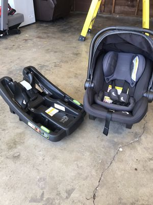 Baby car seat. Baby jogger. for Sale in Castro Valley, CA