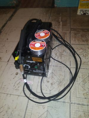 Great deal chicago gasless flux core welder for Sale in Fresno, TX