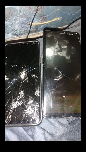 Samsung Galaxy s8 and s9 for parts for Sale in Atlanta, GA
