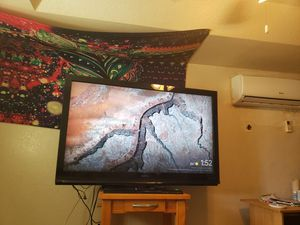 Big ass tv [I WANT TO TRADE] for Sale in Gulfport, FL
