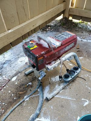 Titan 440i 3300 psi electric paint sprayer for Sale in Florence, MS
