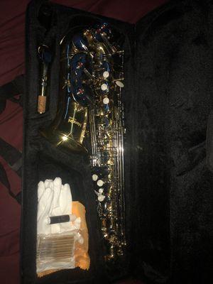 Mendini saxophone for Sale in Warren, MI