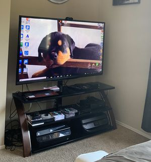 55 inch Sharp TV with Stand for Sale in Long Beach, CA