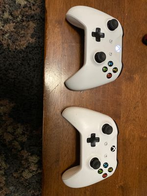 Xbox one controllers , light wear for Sale in Chandler, AZ