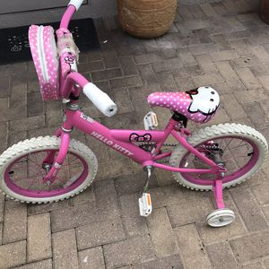 Hello Kitty girls bike with training wheels for Sale in Orlando, FL
