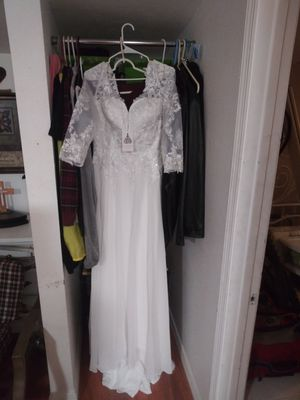 Davids bridal wedding dress size 14 for Sale in Riverview, FL