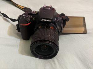 Nikon D5600 for Sale in Santa Ana, CA