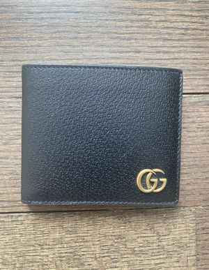 Gucci wallet for Sale in Alexandria, OH