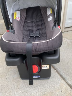Graco infant one click car seat for Sale in Yakima, WA