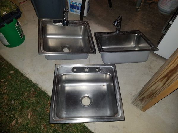 kitchen sinks 22×19 with faucets