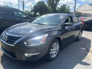 2015 Nissan Altima s good condition CLEAN TITLE *********$7500 a/f for Sale in Pembroke Pines, FL