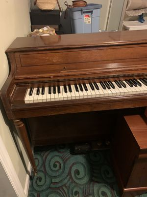 Piano. (FREE!!!!!) for Sale in Queens, NY