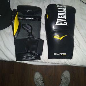 Everlast Boxing Gloves 20$ for Sale in Houston, TX