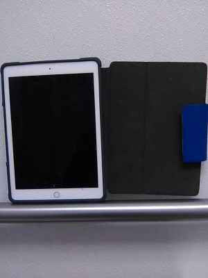Apple IPad Air 2 64gig Wi-Fi only with Otter Case for Sale in Tacoma, WA