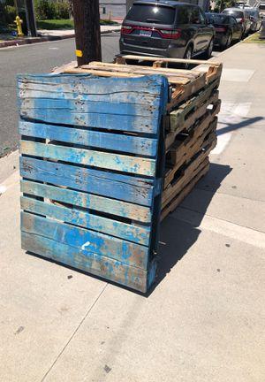 Gratis for Sale in Long Beach, CA
